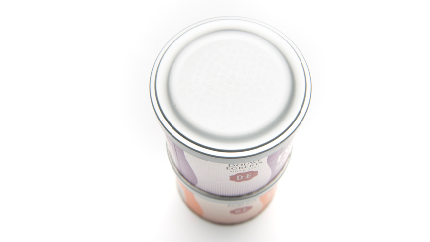 Packaging for cofee Essence with a bean textured lid photo 4